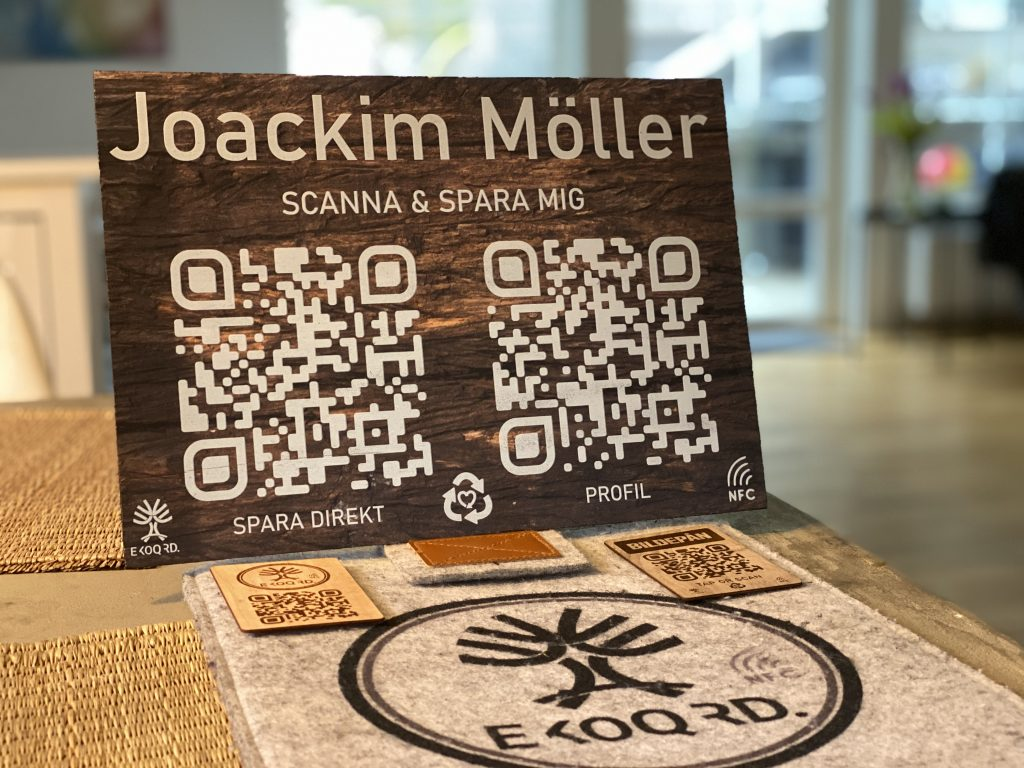 Wooden sign with NFC and smart QR connected to your Digital Business Card